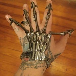 Jewelry - Skeleton hand elastic bracelet